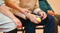 高齢化社会に向けて。認知症患者の監督義務者を自動車保険の補償対象に