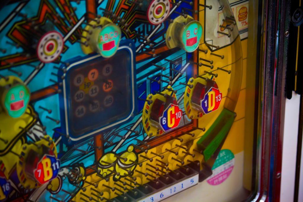 ギャンブルで人生台無し…。パチンコ店の依存症防止策に注目!
